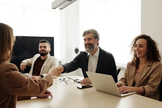WEBINAR 🇬🇧 | Job searching with an International mindset