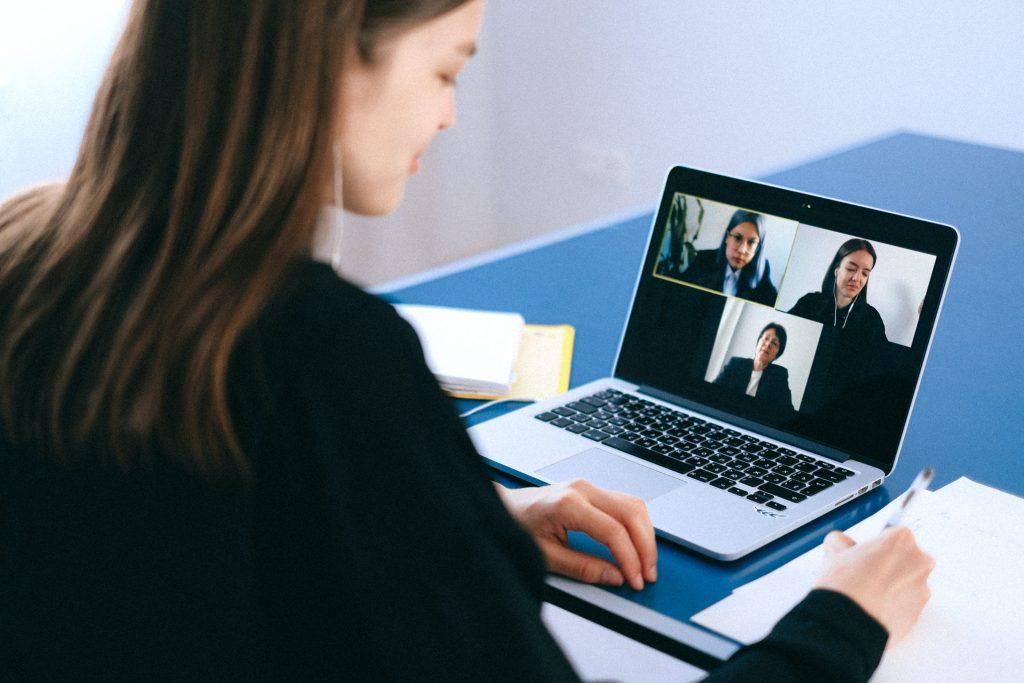 WEBINAR | Video colloquio on demand: tu ti sceglieresti?